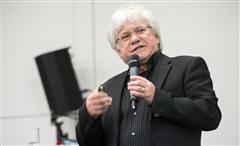 Norbert Kathagen stellte das neue Internetportal www.kita-move.de vor